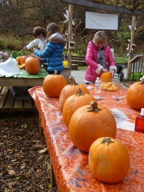 Pumpkin Day at Willow Park Oct24 ifp aticle.JPG