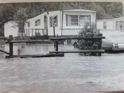 FloodedTrailer.Car.Fence.S.Cunningham
